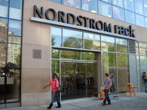 Nordstromrackentrance